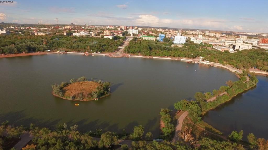 Озеро в центре города. Караганда