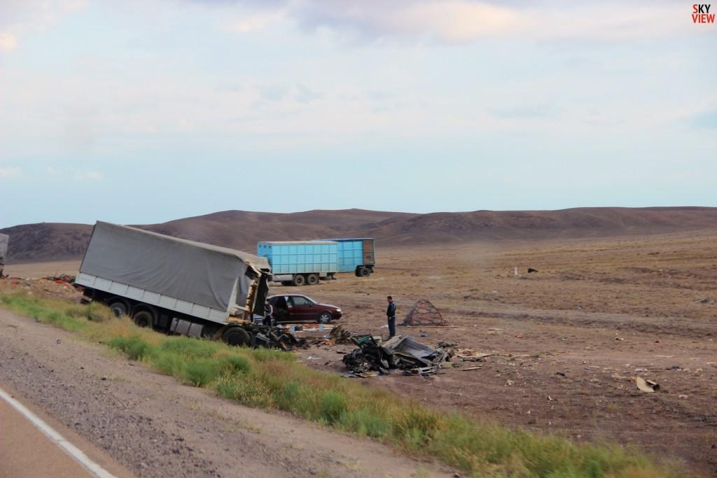 Очередная авария на трассе М-36. Кабины грузовика не было. По-моему водитель погиб :(