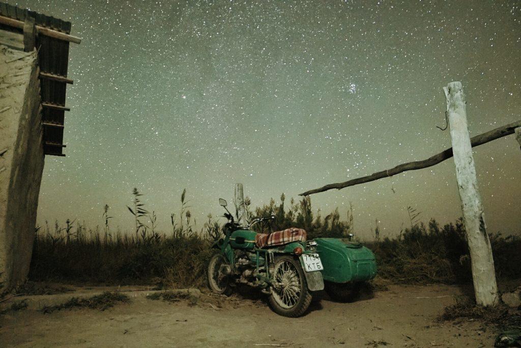 Старый мотоцикл . Балхаш. Казахстан