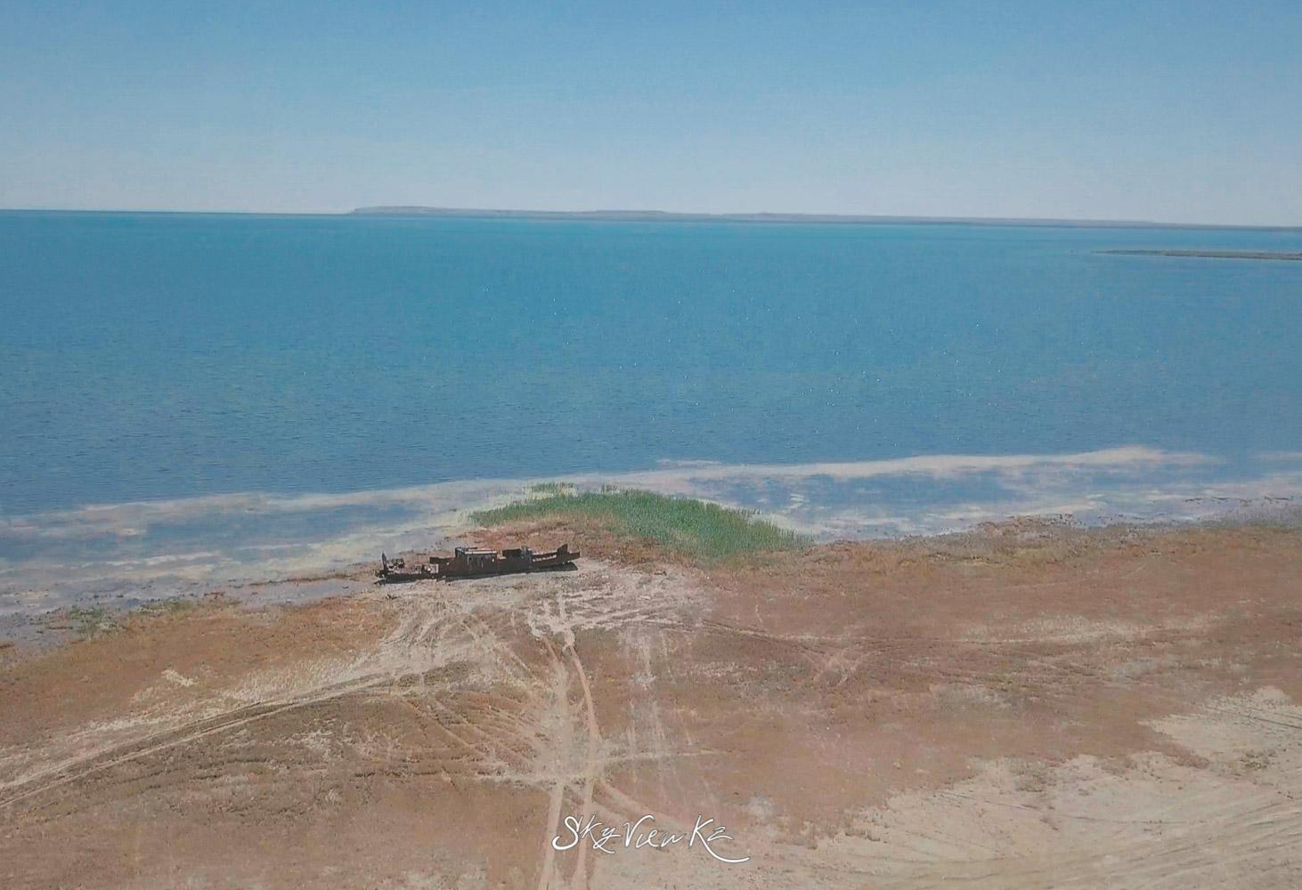 Корабль. Аральское море. Сьемки с дрона